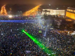 Romanian PM refuses to quit as protests spread